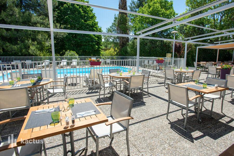 Novotel Aix-en-Provence Beaumanoir Les 3 Sautets **** Terrasse restaurant