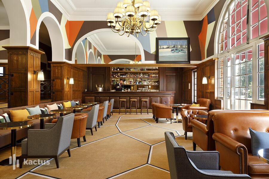 Hôtel Barrière Le Westminster  Le Bar du West